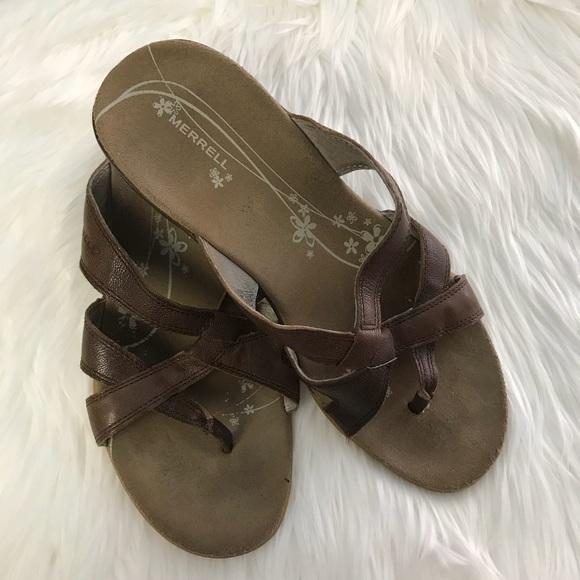 5b7f6ec04f03 MERRELL Preloved soft leather sandals. M 5ac691da5512fd3033325514